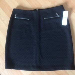 laundry ✨NWT✨ Black Skirt In Size 6.
